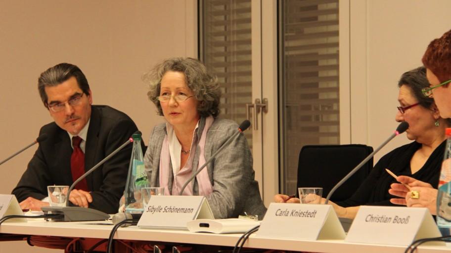 Dr. Thorsten Purps, Katharina Doyé, Sibylle Schönemann und Carla Kniestedt (v.l.n.r.) © Fraktion