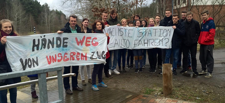 Bahnhofstour vom Michael Jungclaus in Buchholz am 30. März 2015 © Sebastian Koeppen / Fraktion