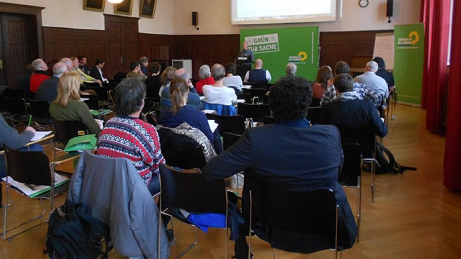 Norbert Kunz referiert beim Workshop zur Solidarischen Ökonomie, Foto: Seema Mehta/Fraktion