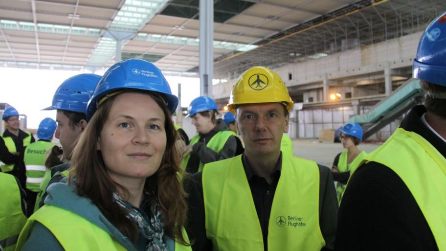 BBI/BER-Begehung von Sabine Niels und Michael Jungclaus